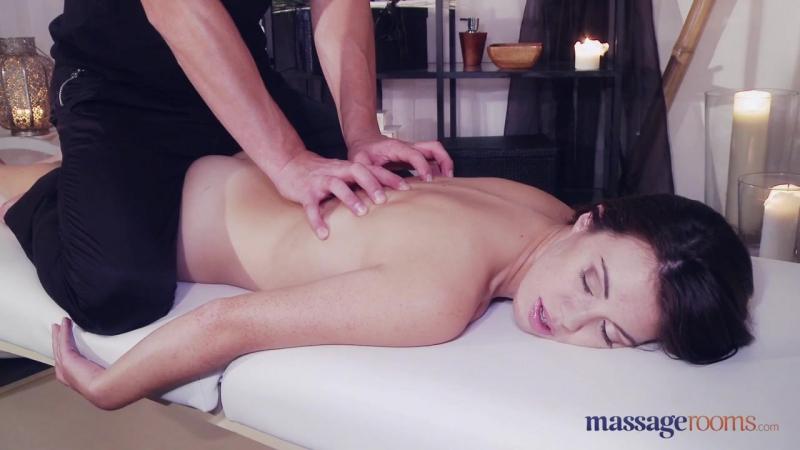 массаж перетекающий в порно