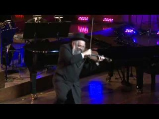 Fiddler Raises the Roof - AMAZING! Hasidic Violinist