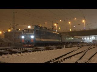 Электровоз ЭП1М-678 «Андрей Лесников» с поездом №146 Москва — Назрань