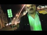 !!-УЖАС МОСКВЫ...бомж старик с костылями спит прямо на улице.в шоке певец пророк сан бой