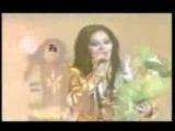 Shabnam Suraya Hanoz Awal e Ishq Ast (MAST SONG) - YouTube_0_1438122254881