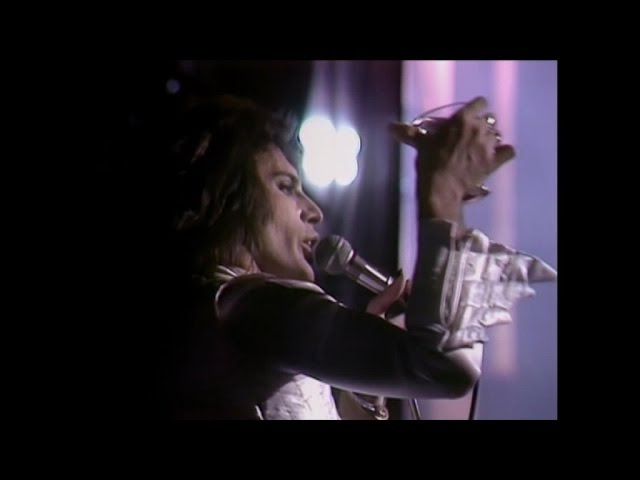 Queen - Freddie's Christmas Toast/Keep Yourself Alive (A Night At The Odeon - Hammersmith 1975)