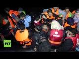 Греция: Рыбак экономит десятки беженцев, оказавшихся в море у Лесбос.