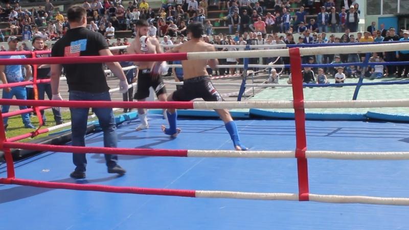 Мухамбетов Рауль спарринг открытый чемпионат Палласовского района по ММА