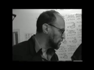 Пригов поясняет Парщикову и Ганиковскому, какое слово у русского человека находится на первом месте