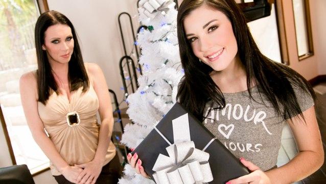 MommysGirl – My Christmas Wish Part One – Rayveness, Jenna Reid