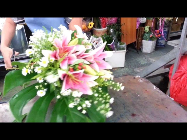 Florist Singapore How to make Lily Hand Bouquet Best Singapore Florist