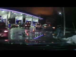 Через двойную сплошную (смотреть с 6:00 минуты) Нарушитель на Opel(лимон)