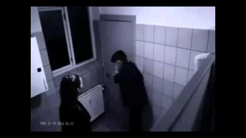 Girl beats up boy in toilet