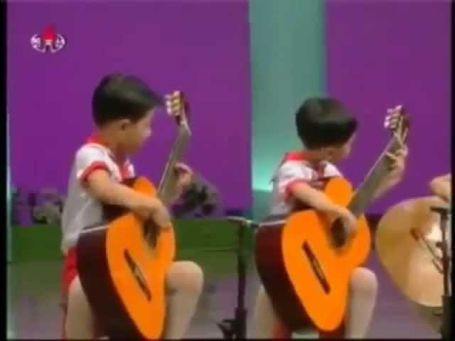 Мурка на гитаре Корейские дети Это что то