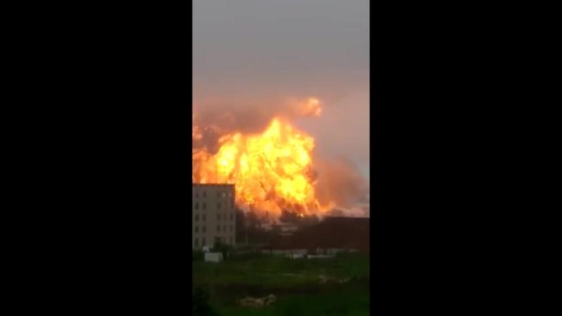 Взрыв в Китае. Нефтехимический завод. Город Жичжао