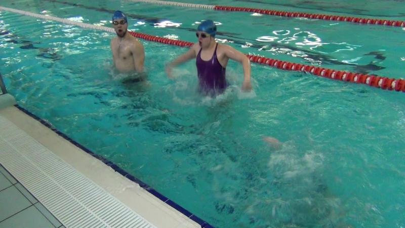 КН1. ОВС. Видохи у воду, стрибаючи на дні з опорно-гребковими рухами рук - 20 разів. Рома, Оля і Олег