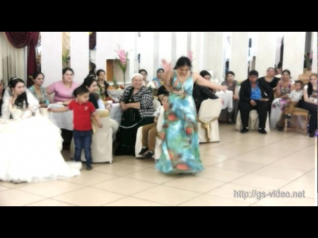 Цыганские танцы. Сплошное веселье на свадьбе.