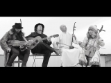 • «Crazy Horse»: монах-буддист, шаман, гитарист и никельарфа в одном ансамбле!