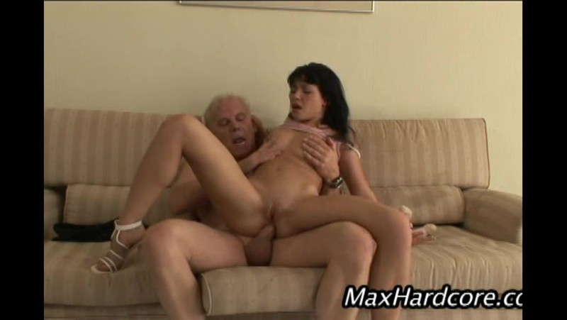[1 on 1]Rebeca Linares - Universal Max 7
