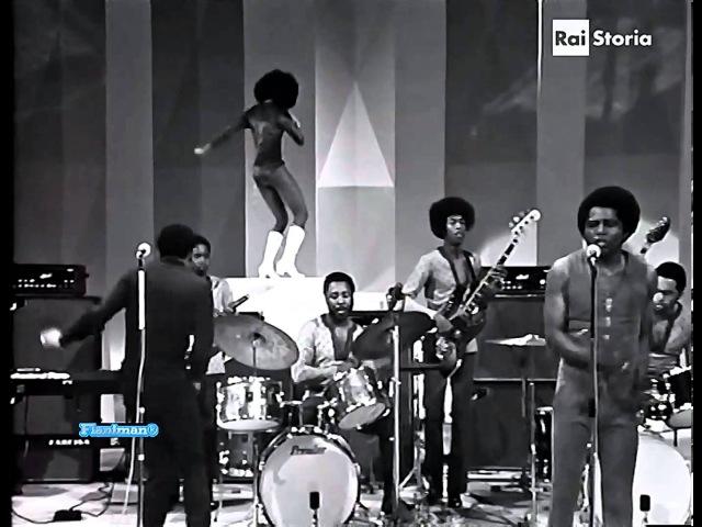 ♫ James Brown ♪ Sex Machine (Italian TV Show 1971) ♫ Video Audio Restored HD