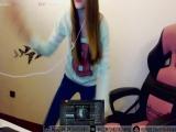 Стримерша Карина Танцует !