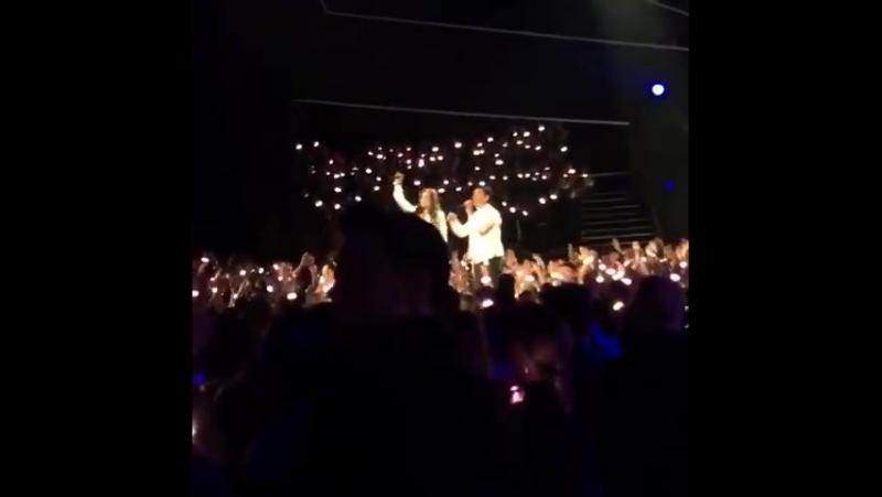 Hailee Steinfeld — Rock Bottom (Live @RDMA 30 апреля 2016)