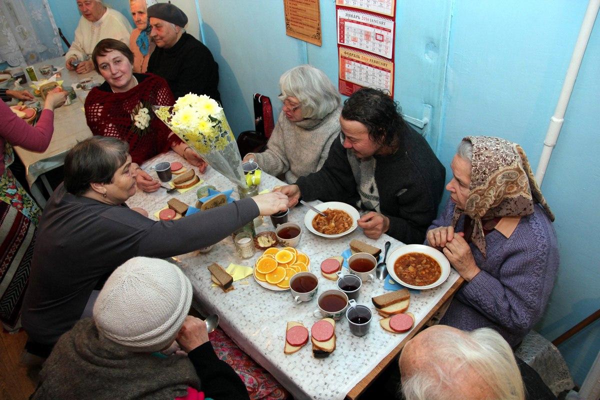 09.01.2016 Рождественский обед в Пущинской благотворительной столовой