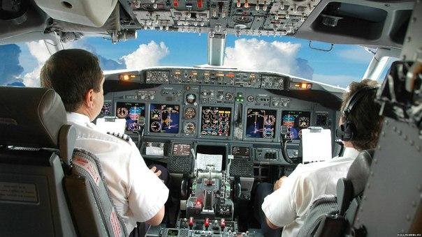 GqGoVXxxgZQ - Зачем открывать шторки на иллюминаторах при взлете (и другие правила поведения в самолете)