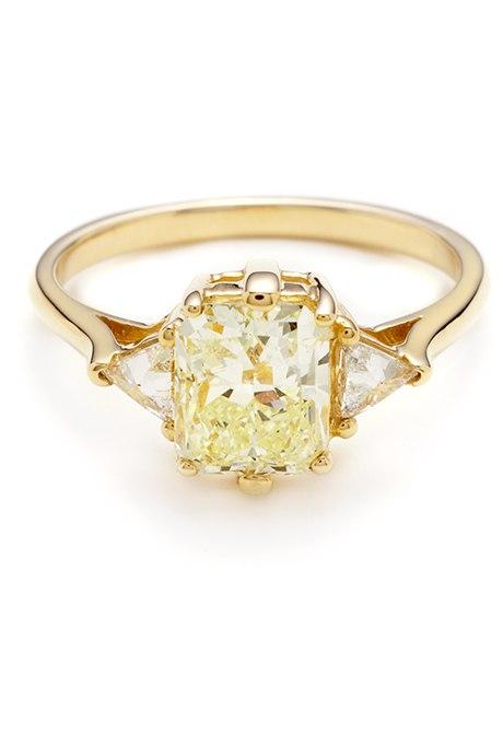 EzlQMi  EaY - 30 ослепительных брачных колец с желтыми бриллиантами
