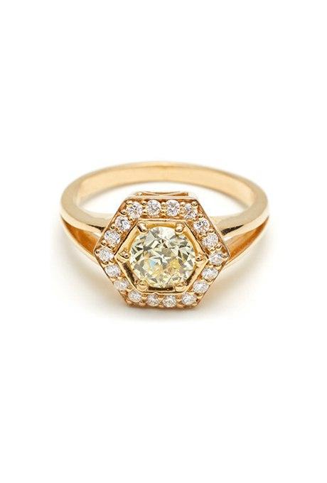 0fPzE 0U2O8 - 30 ослепительных брачных колец с желтыми бриллиантами