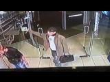 Видео 18+ Нападение с ножом. В Районе ТЦ Сокол. Ночь 16 июля 2015. Ростов-на-Дону