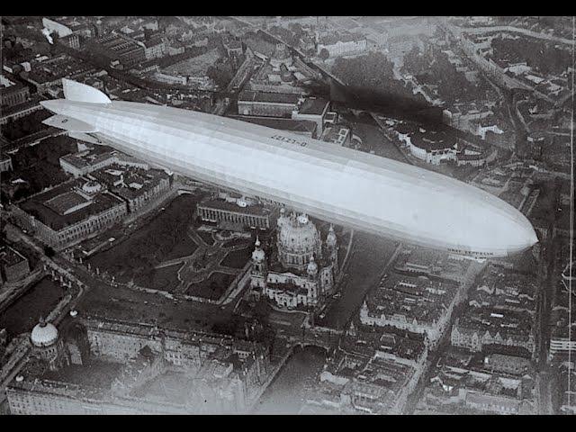 История авиации. Гигант - дирижабль Цеппелин с пассажирами в небе над Берлином, 19 » Freewka.com - Смотреть онлайн в хорощем качестве