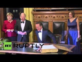 Германия: Меркель критиковал по прибытии в Гамбург мэрии с Премьер-Министр Камерона.