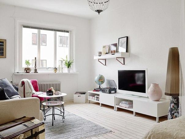 Белая однокомнатная квартира в скандинавском стиле