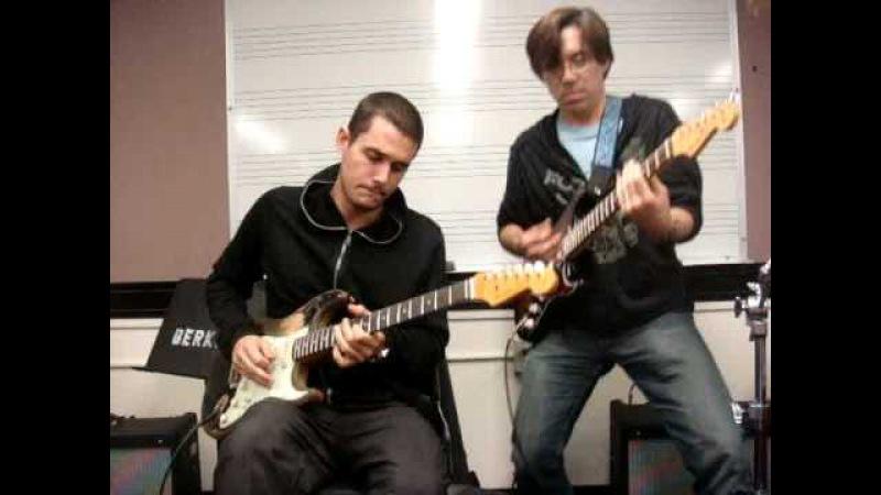 John Mayer Tomo Fujita at Berklee (blues jam)