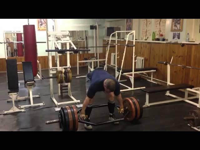 Герман Щербинин ( Беларусь) ,тяга в трэп грифе - 240 кг на 2 раза, подготовка к ZEVS GYM OPEN .