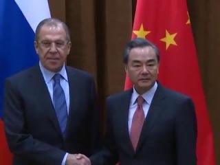 С.В.Лавров перед началом переговоров с МИД Китая Ван И, Пекин