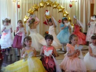 Танец  Птицы,на выпускном в детском саду!