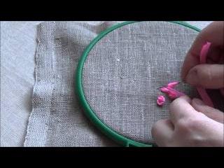 Вышивка лентами для начинающих. Колониальный узелок и маленькая розочка.