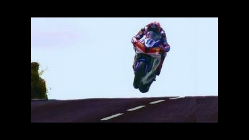 THE GREATEST ✔️ Show On Earth ⚡️ ✅ 322.kmh-200.MPH Street Race . ISLE of MAN TT