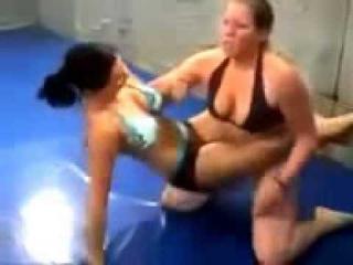Girls Bikini Wrestling