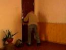 1 серия ужасного пребывания 2 девушек в туалете с заклиненой дверью
