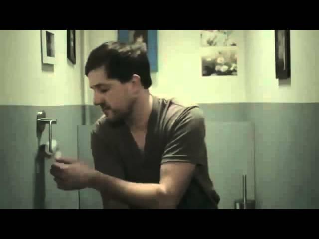 Прикол Реклама туалетной бумаги Жена прикольнулась над мужем