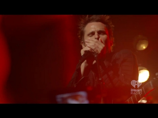 Muse - Dead Inside (Live at iHeartRadio Theater, 9 мая 2015)