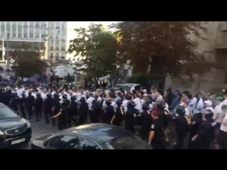 """Футбольные фанаты польской """"Легии"""" в Киеве"""