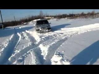 Нива шевроле по снегу на Kама-Flame (46 RUS).mp4