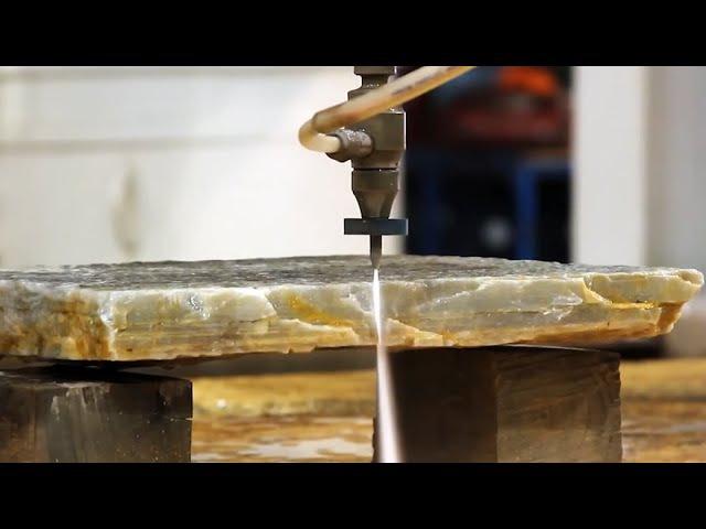 Вода режет камень как бумагу