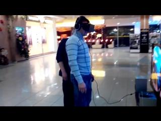 Шутник и Oculus Rift - Окулус Рифт VR 3D смешно прикол ржач шутка аттракцион шлем очки горки