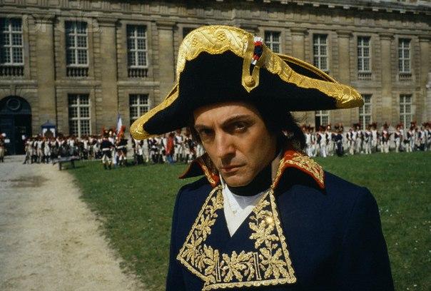 В этот день… 9 ноября – 1 Бонапарт, директоров, потому, ноября, вскоре, пятисот, после, генерала, Наполеон, старейшин, Совет, образом, собой, почти, Совета, Впрочем, Робеспьера, революция, властей, окажется