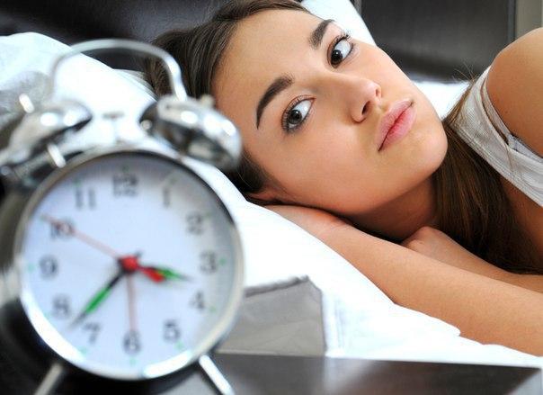 Ученые заявили что люди начали спать меньше чем раньше