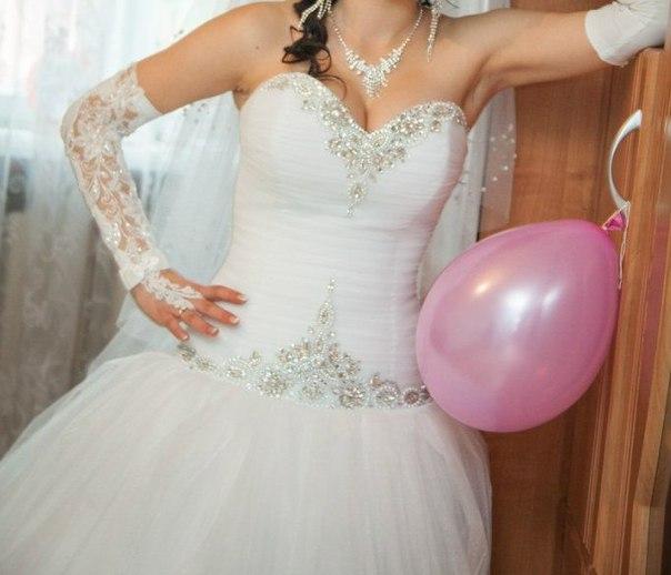 ПРОДАМ сукню розмір регулюється від