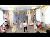 Колян танцует в детском саду