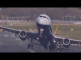 Самые опасные взлеты и посадки самолетов в 2015 году, на грани авиакатастроф.