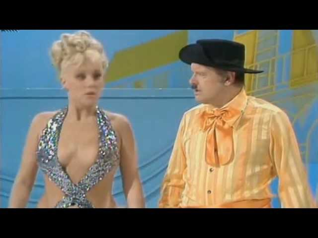 【Diana Darvey feat. Benny Hill Jackie Wright】The Benny Hill Show, 1977